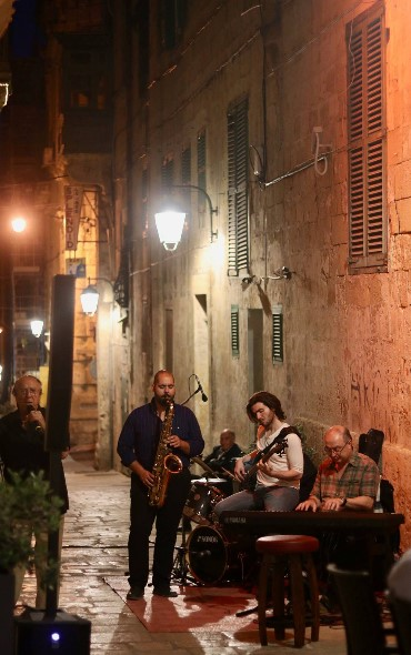 strait street band