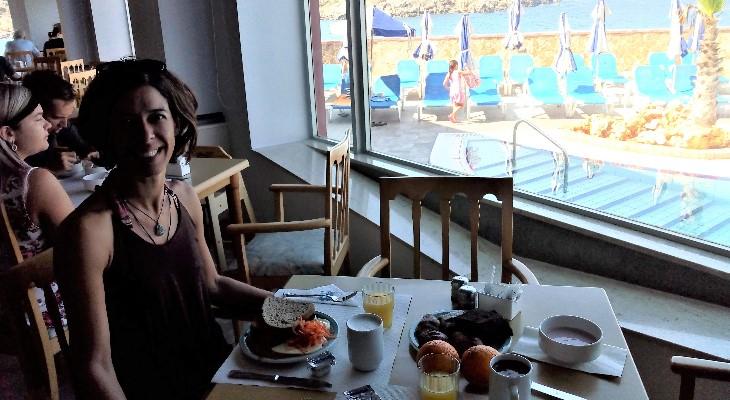 breakfast at il merill paradise bay resort