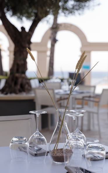 This season, Hilton Malta's ultimate summer dining destination is back with an enticing new menu, which takes full advantage of an incredible new addi