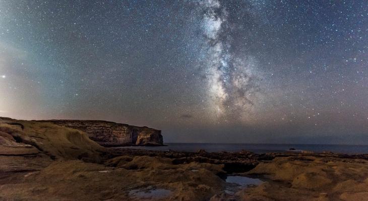 Dwejra night sky by Joseph Caruana