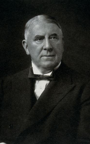 Dr Moynihan