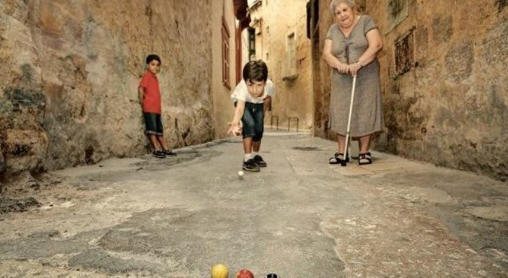 Discover these traditional Maltese street games of old